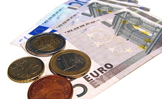Евро дорожает к доллару на статистике по промпроизводству в Германии
