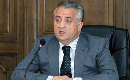 Armenian central bank chairman quits office but to continue working at financial and banking system