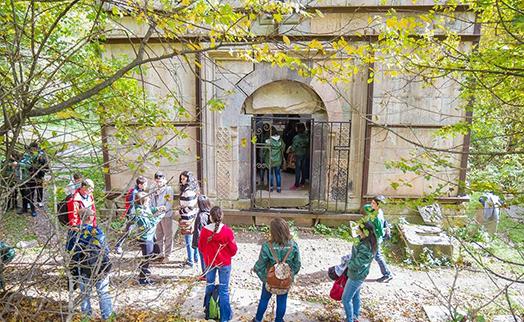 АКБА-КРЕДИТ АГРИКОЛЬ БАНК помог в восстановлении дверей монастырского комплекса Джухтакванк