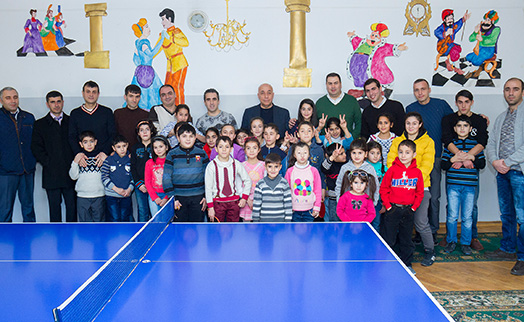 ACBA-CREDIT AGRICOLE BANK and Armenian journalists' football team provide sports gear to children