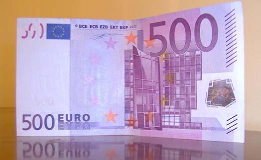 Австрийца посадят за ложь о выловленных в Дунае 128 тыс. евро