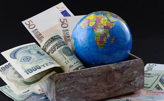 Масштабная война с наличными деньгами уже началась