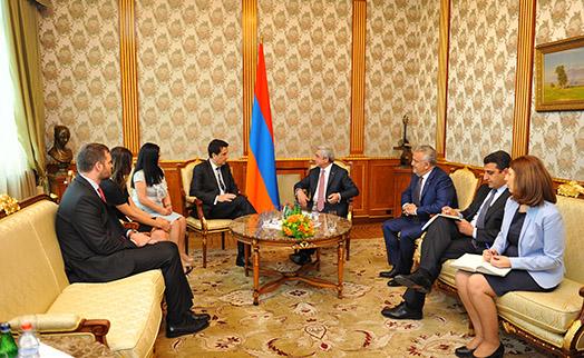 Президент Армении и глава Нацбанка Аргентины намерены углубить сотрудничество