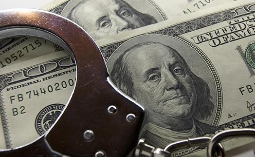 Экс-глава МВФ получил 4,5 года тюрьмы за мошенничество с кредитками