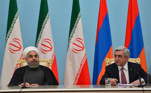 Роухани:  Армении и Ирану необходимо развивать отношения между банковскими системами и таможенными службами