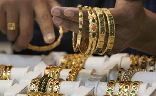 Индия более чем в 4 раза увеличила импорт золота в марте