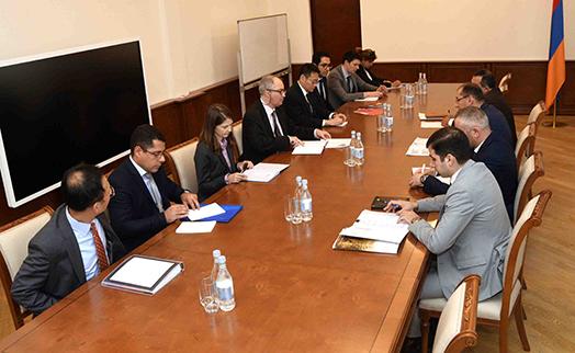 Глава Минфина Армении высоко оценивает рамки последовательного сотрудничества с МВФ