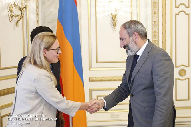 Пашинян надеется на реализацию новых программ с ВБ