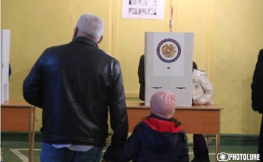 Явка избирателей на парламентских выборах в Армении по положению на 17:00 составила 39,54% - ЦИК
