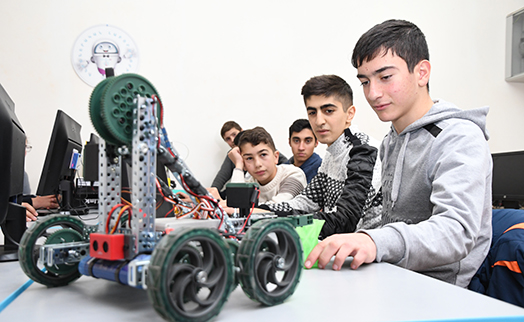 Students of Movses school to create robots and carry out 3-d modeling with support of Stepan Gishyan charity foundation