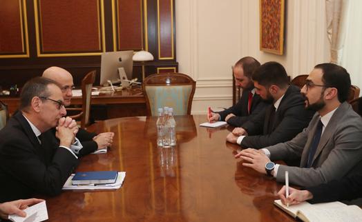 Փոխվարչապետը ՎԶԵԲ–ի պատվիրակությանն է ներկայացրել կառավարության ծրագրի առաջնահերթությունները