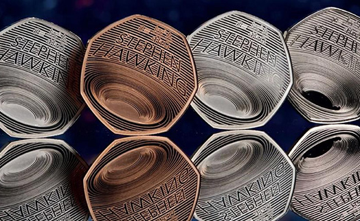 Монету с черной дырой в память о Стивене Хокинге выпустили в Британии
