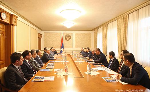 Президент Арцаха обсудил с главой ЦБ Армении сотрудничество в банковской сфере