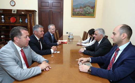 Փոխվարչապետ Մհեր Գրիգորյանը և ԱԶԲ ներկայացուցիչները քննարկել են համագործակցության առանցքային ոլորտները