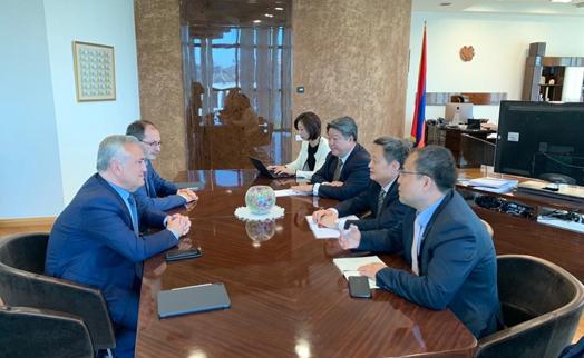 Глава ЦБ Армении обсудил с главой совета директоров  China Union Pay возможности расширения финуслуг