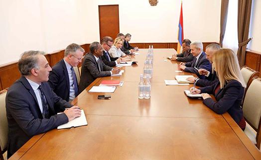 Глава Минфина Армении обсудил с представителями АБР возможностей расширения программ в стране