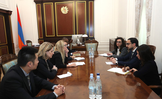 Armenian deputy prime minister and World Bank team discuss economic priorities