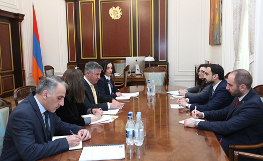 Armenian deputy prime minister and ADB Yerevan office head discuss further cooperation