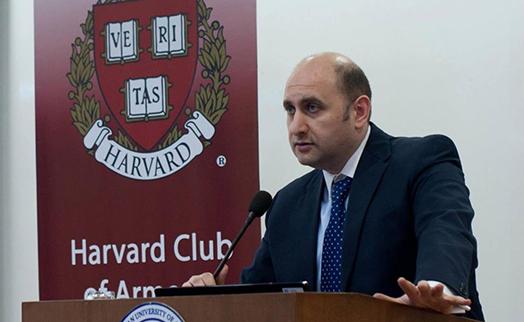 Мартин Галстян избран новым председателем ЦБ Армении